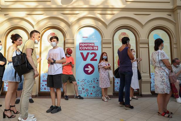 Covid: la pandémie s'accélère pour la première fois en neuf semaines en Europe