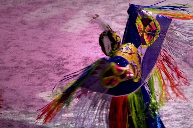 Ces Amérindiens qui dansent contre l'oubli
