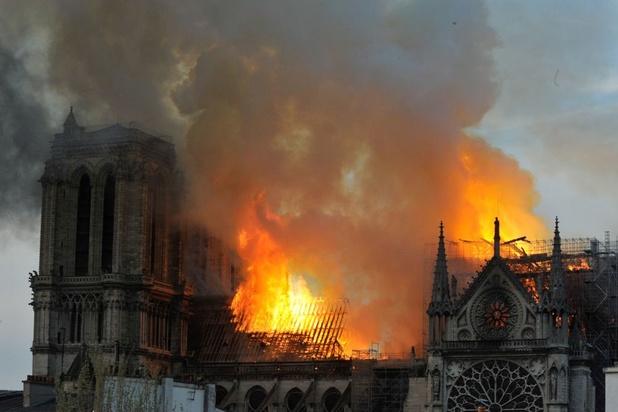 """Notre-Dame de Paris: """"En un clic, 200 millions, ça montre aussi les inégalités"""""""