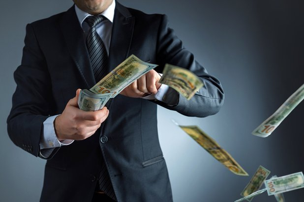 """Sorties de crise et coup de gourdin pour les """"riches"""""""