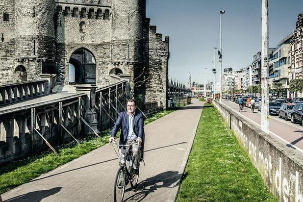 Van Besien: 'Urgentieplan nodig voor openbaar vervoer in Antwerpen'