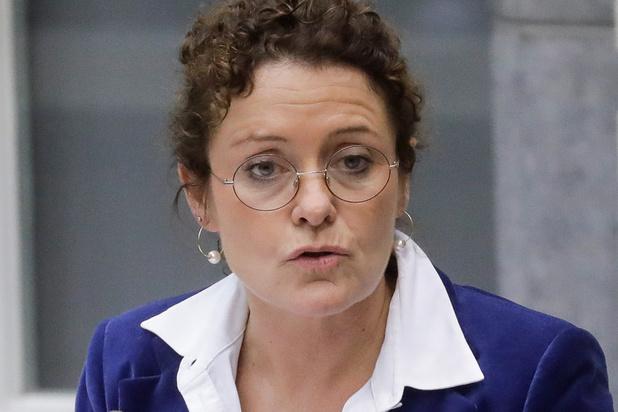 Mobiliteitsminister Lydia Peeters (Open VLD): 'Berichtgeving De Lijn baart me zorgen'