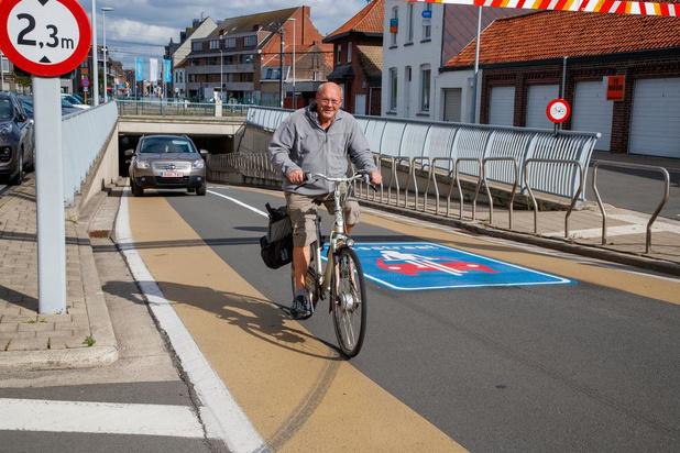 Allereerste fietsstraat en uitbreiding van fietsenstalling aan station van Lichtervelde