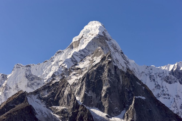 Mount Everest wordt opnieuw opgemeten
