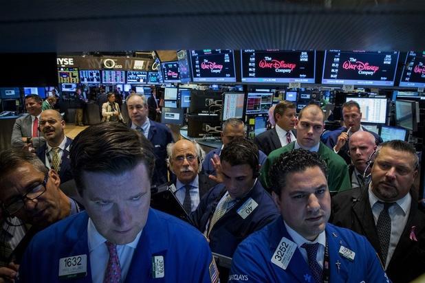 Wall Street clôture nettement dans le rouge