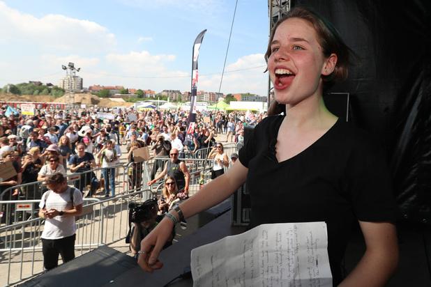 Pukkelpop verwijdert Vlaamse vlaggen nadat Anuna De Wever werd belaagd