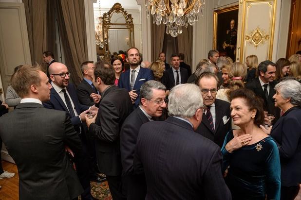 """Anecdotes croustillantes sur quelques """"chocs culturels"""" au cours de dîners à l'ambassade belge"""