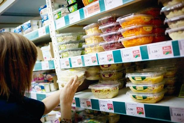 """Les supermarchés lancent un appel: """"Faites vos courses seul"""""""