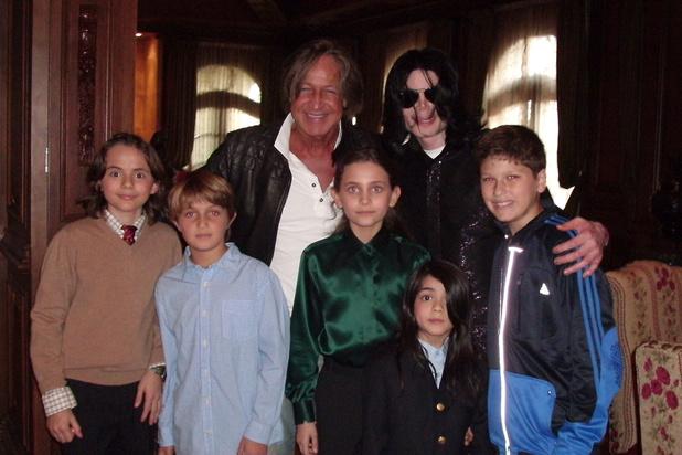 Dix ans après sa mort, que sont devenus les proches de Michael Jackson?