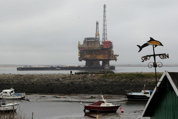 Shell 'dumpt' poten van boorplatforms in zee: België protesteert