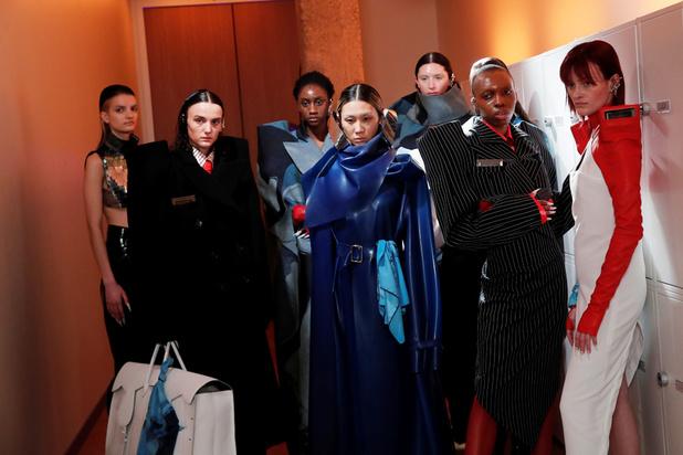 Les étudiants de l'IFM ouvre la fashion week parisienne, plus chamboulée que jamais