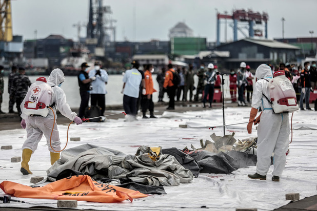 Zwarte dozen vermiste Indonesische Boeing gelokaliseerd
