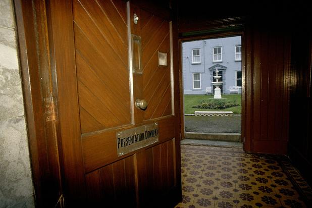 L'Irlande face au scandale des anciennes maisons pour mères célibataires et de leurs 9000 morts d'enfants