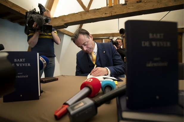'Religie en christendom vormen een blinde vlek in het denken van Bart De Wever'