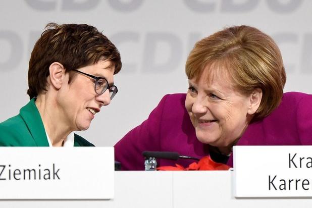 La dauphine désignée de Merkel renonce à lui succéder