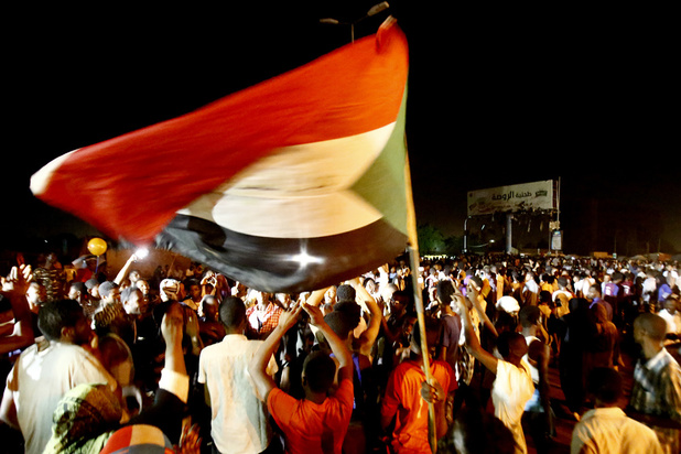 Crise au Soudan : les militaires tentent de disperser le sit-in par la force