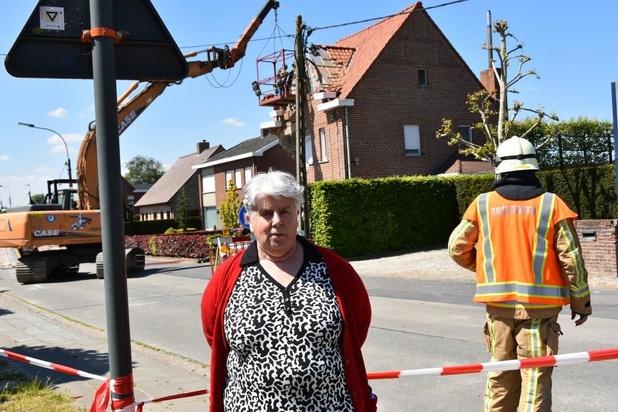 """Woning dreigt in te storten na aanrijding door auto: """"Ons huis is vernield"""""""