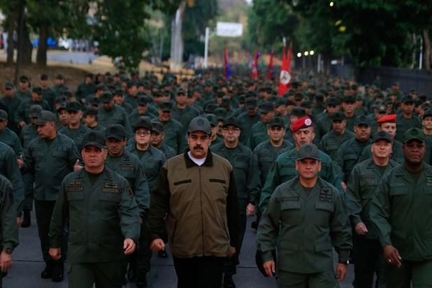 Venezolaans president Maduro stelt zijn vertrouwen in het leger na staatsgreep