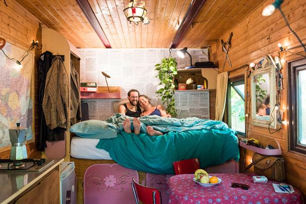 Tussen de lakens bij Annelies en Seppe: 'Ik droom ervan om permanent in onze woonwagen te leven'