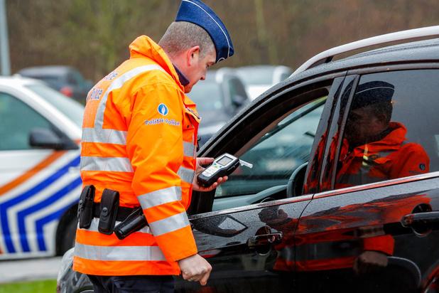 Vias: kwart Belgische chauffeurs reed afgelopen maand met glaasje te veel op