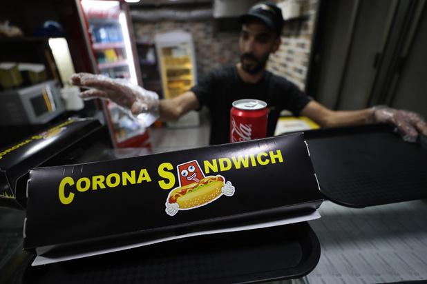 Corona sandwich et hot-dog Covid-19 à Bethléem, vidé de ses touristes à la veille de Noël