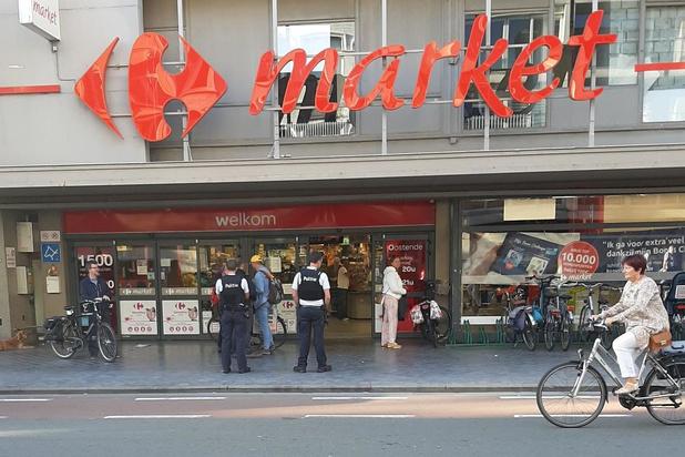 Actiegroep voert actie aan Carrefour, maar wordt weggestuurd door politie
