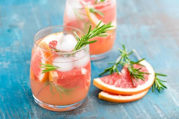 Le mocktail, la boisson colorée sans alcool de l'été