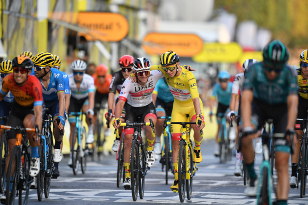 Tour de France: Pogacar réussit une razzia inédite depuis Merckx et bouscule l'histoire du Tour de France