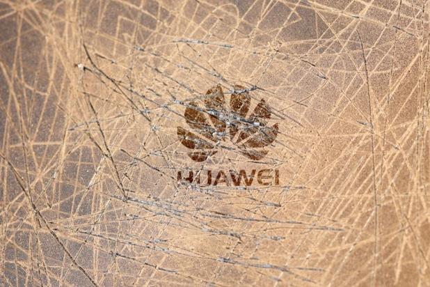 De dominostenen blijven vallen voor Huawei