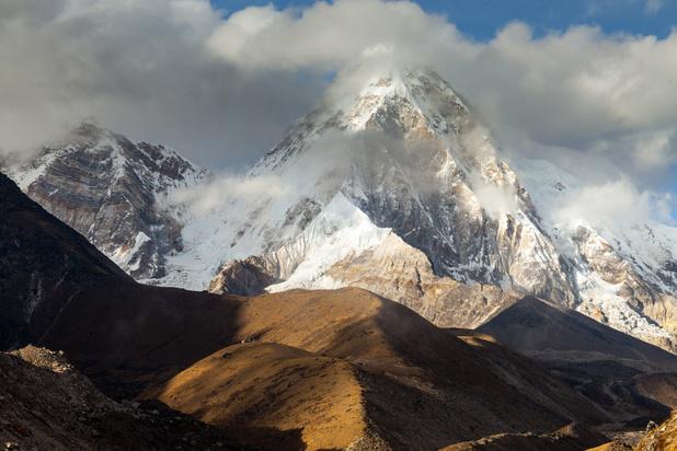 Driehonderd toeristen gestrand bij de Mount Everest door slecht weer