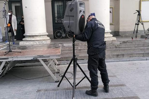 Culture en lutte: la police de Bruxelles saisit le matériel du collectif La Monnaie Occupée