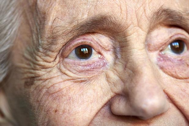 Mysterie van de dag: waarom vergeten mensen met Alzheimer eerst recente en pas daarna vroegere herinneringen?