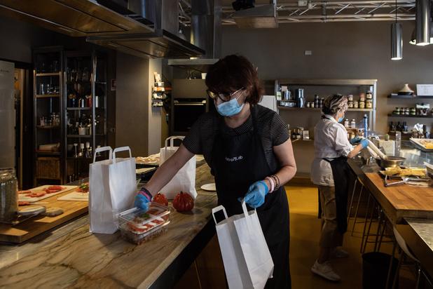 Les restaurants qui feront de la vente à emporter pourront finalement vendre de l'alcool