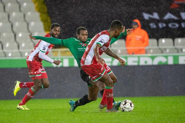Eupen battu par Courtrai (1-2) et le Cercle surprend Zulte-Waregem (2-0)