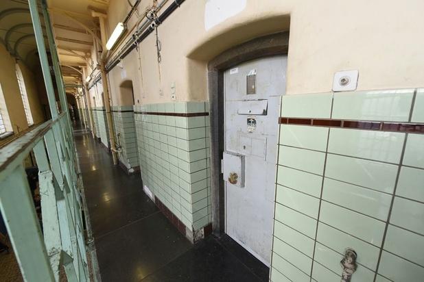 La prison de Namur en quarantaine, la moitié des détenus et du personnel contaminés