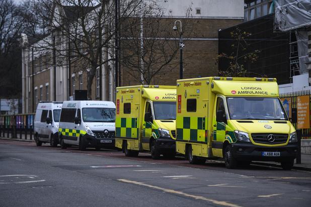 Covid : la pandémie atteint un niveau alarmant en Angleterre, la France sous pression pour reconfiner