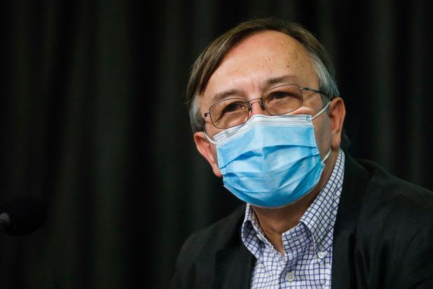 """Yves Van Laethem: """"Pour l'instant, le coronavirus a toujours la main"""""""