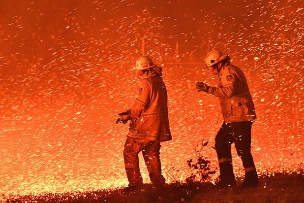 """""""Orages de feu"""": quand les incendies en Australie créent leur propre phénomène météo"""