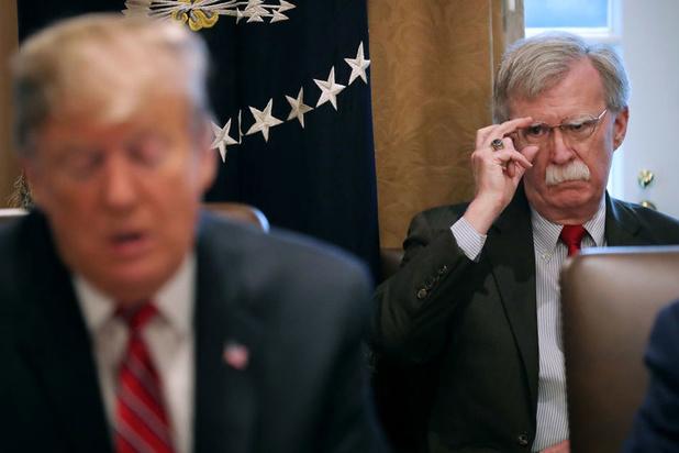John Bolton met à mal la défense de Donald Trump — Destitution