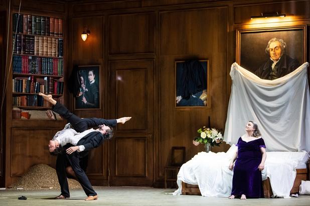 Liefde overwint níét alles: danscollectief Peeping Tom debuteert met kolkende opera 'Dido & Aeneas'