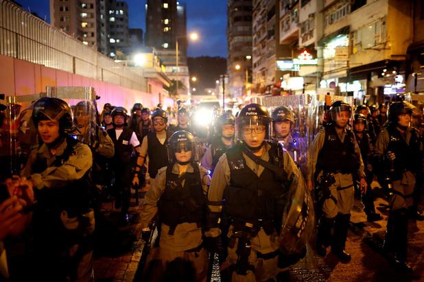 Politie en actievoerders spelen kat-en-muisspel in Hong Kong