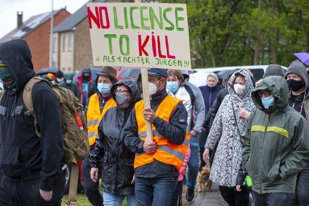Groupes Facebook, manifestations: les marques de soutien au militaire en cavale, Jürgen Conings, se multiplient