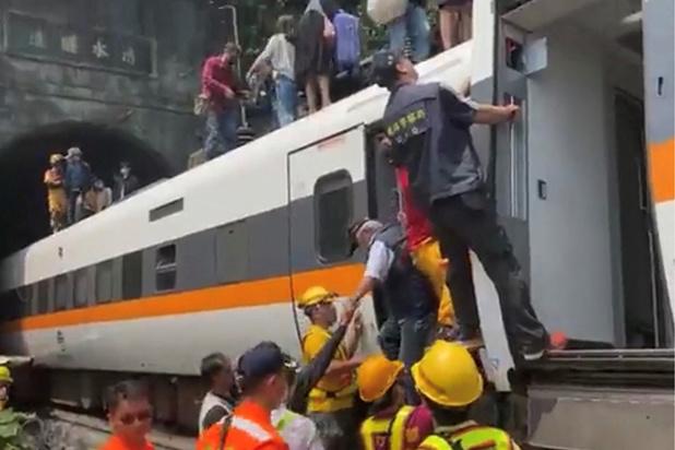 Déraillement d'un train à Taïwan: des dizaines de personnes décédées