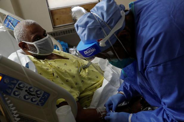 Covid: les Etats-Unis enregistrent un record de près de 4.500 morts en 24h