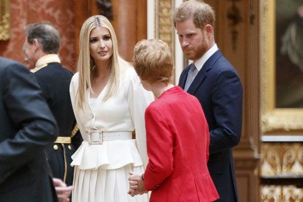 La famille Trump à Buckingham Palace: moins l'étiquette que les stories Instagram