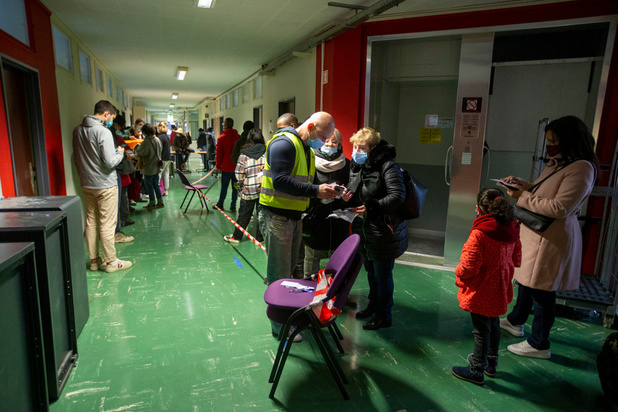 Covid: près de 40 000 voyageurs de retour de zone rouge ce week-end