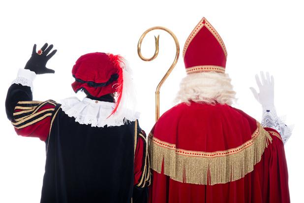 Zwarte Piet remplacé par saint Maurice au côté de saint Nicolas au Musée de l'Afrique