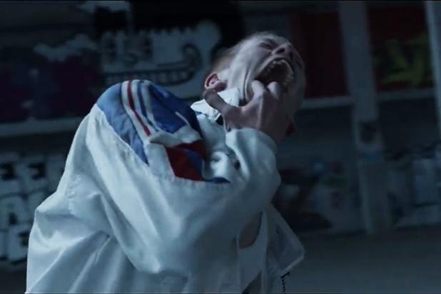 De manische videoclip van Fortress: 'En toen gooide hij zich met al zijn kracht tegen de muur'