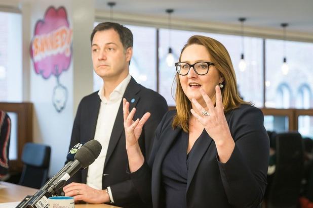 Open VLD stelt 'blauw groeiplan' voor: 1.000 euro extra netto per jaar en maximaal 2 jaar werkloosheidsuitkering