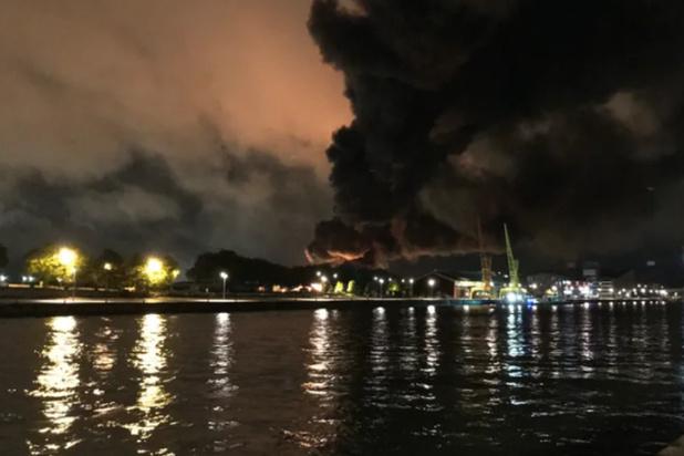 France: un incendie dans une usine provoque le confinement de nombreux habitants à Rouen